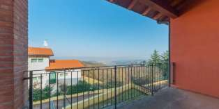 Casa in VENDITA a Arcugnano di 260 mq